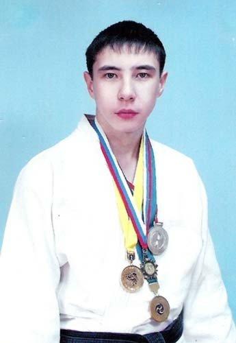 Марлен Узканов